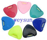 Wholesale Plastic Guitar Bass Ukelele Pick Plectrum Holder Case Alice Heart Shape For Acoustic Bass Guitar