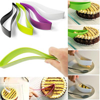 Wholesale Practical cake cutter tools Cake Pie Slicer Sheet Guide Cutter cake knife cut one piece Kitchen Gadget