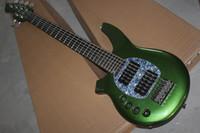 Precio de Guitarra de la mano izquierda verde-El envío libre de encargo de la fábrica del OEM el nuevo instrumento musical de calidad superior dejó 6 pastillas activas de la guitarra baja eléctrica del verde del hombre de la música de la secuencia