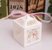 Wholesale 2017 Romantic Love Bird Wedding Gift Box Elegant Luxury Decoration Laser Cut Party Sweet Favors Guest Gift Wedding Paper Candy Boxs THX22