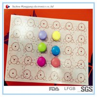 Wholesale 45 Factory low price silicone baking mat Silicone roundness insulation mat with customized size and pattern