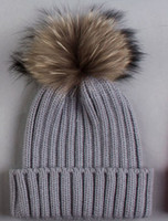 Wholesale WOMEN MEN ADULTS QUALITY HOT FASHION RIB KNITTED BEANIE HAT SNAPPED WITH CM LARGE GENUIN RACCOON POM IN COLORS M61