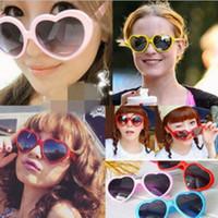 Las mujeres formaron en forma de corazón las gafas de sol de las mujeres de los vidrios del desgaste del ojo del partido de la manera de las muchachas de las muchachas viste las colores 11 colores OOA527