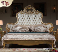 Wholesale Italian luxury bed Antique royalty bedroom furniture solid wood carved furniture with gold leaf gilding