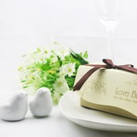 Wholesale KATE ASPEN wedding favors quot Love Birds In The Window quot Ceramic Salt Pepper Shakers Wedding Favor boxes
