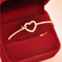 beauty bangle bracelets - Alloy Gold Plated Charm Love Heart Crystal Cuff Bangle High Quality Beauty Bracelet Jewelry For Women