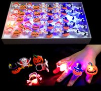Wholesale New Halloween funny gift multi types Halloween novelty rings pumpkin skeleton rings with the battery light