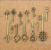 achat en gros de charmes collier clés-Charmes mélangés 3set = 39pcs Vintage Charms Key Antique Bronze en zinc alliage Fit Bracelet Collier DIY Jewelry Making Findings