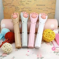 Wholesale New Cat Kitty Paw Portable Vibrating Electric Neck Massager Replica Kitten arm Mini Massager Flashlight Gift