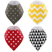 Wholesale 4pcs Bibs Burp Cloths set Cotton bibs Newborn KIDS Burp Cloths Triangle Baby Bids girls boys bibs Baby Best Gift Many Color optional