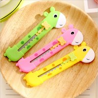 Wholesale 3pcs Cute Giraffe Utility Knife Paper Cutter Cutting Paper Razor Blade Office Stationery Escolar Papelaria School Supply