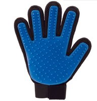 Wholesale True Touch Deshedding Glove for Gentle and Efficient Pet Grooming with package