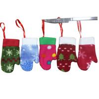 Wholesale cker Christmas Knifes Forks Bag colorful glove Tableware Cutlery Holder Party Decoration set of