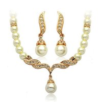 achat en gros de plaqué colliers de perles d'or-Belle Or Argent Plaqué mariage nuptiale Tear Parures de mode drop Cream Pearl et strass cristal Colliers Boucles d'oreilles Sets Cadeaux