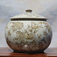 Wholesale Tao Caicai European Beige storage tank with cover ceramic tea pot round jar jar set decoration decoration