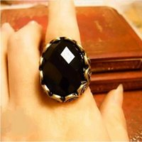 band personalities - 2016 New Fashion Hot Selling Fashion Carved Black Gem Ring Retro Personality Ring