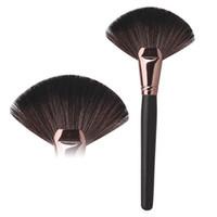 Wholesale Makeup Brush Single Cheek Red Brush Brush Sweet Stucco Fan Blusher Face Powder Cosmetic Makeup Brush Makeup Brushes
