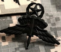 acu patches - The parachute jump high low open chapter paratroopers ACU skills zhang jun fan metal badges cap badge to parachute free fall