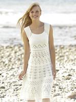 La playa atractiva cubre el chaleco del knit Las blusas hechas a mano del ganchillo visten de largo ahueca hacia fuera las camisas del bikiní las señoras de la señora verano beachwear cubren los tops