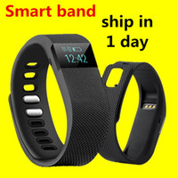 Wholesale Smart band Fitness Tracker Bluetooth Wristband Smart Pedometer Bracelet For iOS Samsung Android TW64 PK Fitbit Mi band