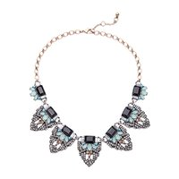 Cheap 2016 Vintage Jeweled Leaf Statement Necklace Black Rectangle Stone Choker Necklace Mint Teardrop Charms for Lady Free Shipping