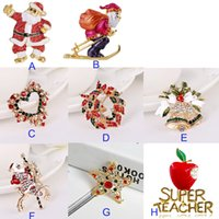 Wholesale Christmas Santa Claus pins Brooches for women or child cartoon christmas decoration alloy material C90017