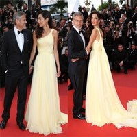 Wholesale Amal Clooneys Yellow Chiffon Celebrity Cannes Film Red Carpet Gown One Shoulder Sleeveless Slit Evening Prom Party Bridesmaid Dress