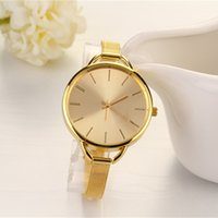 Wholesale 2016 Hot Sale Women s Lady Style And Attractive Design Stainless Steel Quartz Wrist Watches Gold Silver