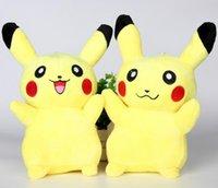 achat en gros de peluche noël poupées gros-Vente en gros jouets en peluche Pikachu en peluche poupées 20cm (8inch) Poke bande dessinée piquez animaux en peluche jouets jouets de Noël doux meilleurs cadeaux pk-1 mode