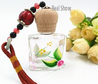 Wholesale perfume bottle pendant perfume bottle manufacturer square pendant car glass perfume bottle with wooden screw cap