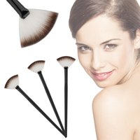 Wholesale 1pc Professional Fan Brush Face Powder Foundation Make up Beauty Cosmetic Tool