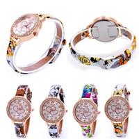 Precio de Cuero reloj pulsera corazón-Rhinestones diamantes de lujo libre de DHL pulsera relojes vestido de las mujeres de la manera del corazón del amor la correa de cuero pulsera de cuarzo Relojes de mujer nueva