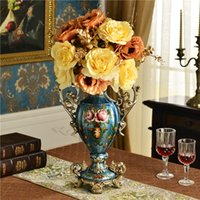 Wholesale European luxury European style retro hand painted ceramic vase ornaments beautifully decorated wedding gifts new living room