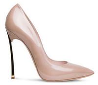 al por mayor nuevas bombas de los talones de la llegada-2016 CESARE charol nueva llegada señaló tacones de aguja zapatos de la novia las mujeres del tacón hoja de metal de tacones altos zapatos de vestir casade bombea el tamaño 35-41