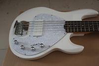 Music Man 5 cuerdas Bajo Ernie guitarra eléctrica blanca de la bola de la pastinaca de arce cuello blanco Pickguard Chrome Hardware batería de 9V Pastillas activas