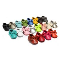 Wholesale New Tassels Bow Baby Moccasins Soft Moccs Baby Shoes Kids Genuine Cow Leather Newborn Baby Prewalker