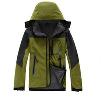Wholesale High quality Outdoor sports Hiking Jacket Men Windstopper Softshell Jacket Men Waterproof Outdoor jaqueta masculina Jacket camping coat