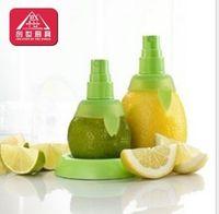 Wholesale Sprayer Juice Juicer Fruit Tool Kitchen Accessories Citrus Lemon Lime Orange Stem Sprayer Juice Maker Juicer Kitchen Tool Juicer Extractor