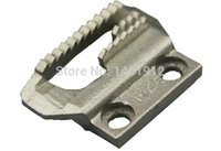 Wholesale Old sewing machine needle plate teeth presser foot and a full set of accessories