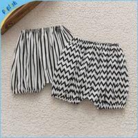 baby boy bloomers - 2016 New design fashion style black white zigzag stripe summer season kids cotton girls boys pants baby bloomers
