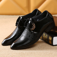 Wholesale Office Men Dress Shoes for Men Bussiness Suit Shoes Italian Wedding Man Casual Shoes Oxfords Man Flats Leather Shoes Zapatos Hombre