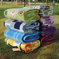 Wholesale thick suede outdoor picnic mat moisture pad King m baby crawling mat