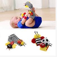 Mode Nouveaux bébé bébé jouets traîneau Lamaze peluche Bug Wrist Rattle + Foot Socks 4 Styles Livraison gratuite