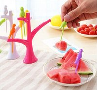 Wholesale The new kitchen tool accessories cooking vegetables bird fruit fork creative fruit fork stick eco chic gadgets