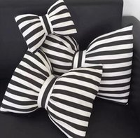 Wholesale L11 Low price excellent inexpensive and lovely naval stripe bow wind car neck pillow pillow cushion for leaning on