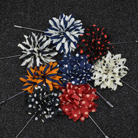 american indian wear - Cheap Fashion Speckle Stripe Flower Brooch lapel Pins handmade Boutonniere Stick with fabric flowers for Gentleman suit wear Men Accessories
