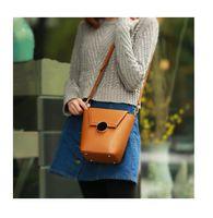 acrylic buckets - 2017 Fashion Women Bag Circular Lock Mini Bucket Shoulder Inclined Socialite ady Versatile B