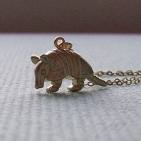 animal armadillo - 1pcs Gold Armadillo D Necklace Pendant Tiny Jewelry Necklace Body Chain Collares New Charm Love Gift