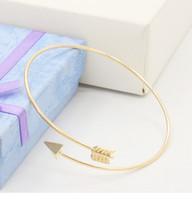 al por mayor pulseras aleación joyería de moda-La nueva manera Flecha Gold / silevr plateó la joyería de moda de la joyería simple del brazalete de la abertura de la aleación de la pulsera del pun ¢ o para las mujeres
