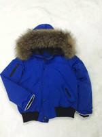 al por mayor outwear la chaqueta de pieles-ME8 muchachas populares de los muchachos de la marca de fábrica muchachas auténticas cuello de la piel del mapache cubren la chaqueta outwear invierno francés nieve caliente de la capa de la nieve anora